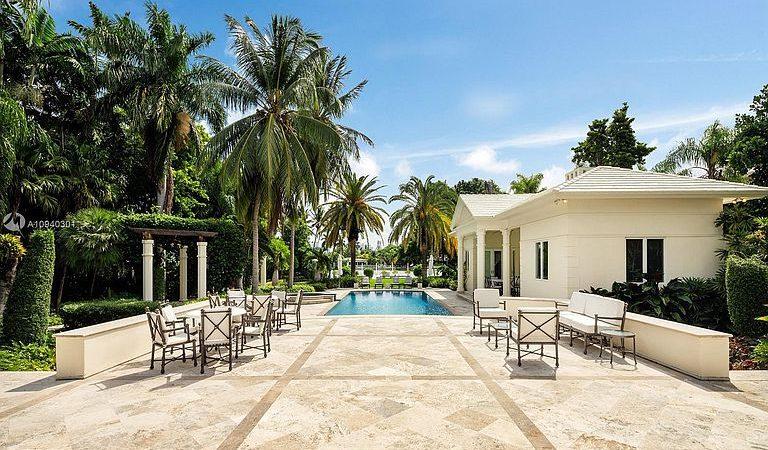Pool Home In Boca